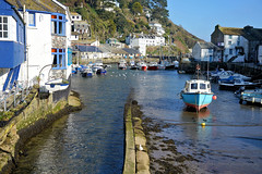 Polperro  and davits..... (PAUL YORKE-DUNNE) Tags: polpero harbour cornwall