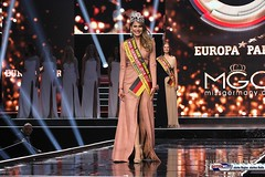 miss_germany_finale18_2118 (bayernwelle) Tags: miss germany wahl 2018 finale 24 februar europapark arena event rust misswahl mister mgc corporation schönheit beauty bayernwelle foto fotos christian hellwig flickr schärpe titel krone jury werner mang wolfgang bosbach soraya kohlmann ines max ralf klemmer anahita rehbein sarah zahn rebecca mir riccardo simonetti viola kraus alena kreml elena kamperi giuliana farfalla jennifer giugliano francek frisöre mandy grace capristo famous face academy mode fashion catwalk red carpet