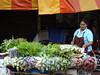 Naranja sobre verde (grand poulet) Tags: verde naranja verdura vendedor ambulante itsanaruphap bangkok tailandia mercado