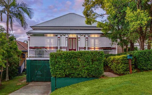 19 Thorn St, Red Hill QLD 4059