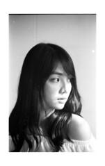 2018-02-11-0005 (apisit_sorin) Tags: ilford pan 400 canon eos 30 film negative black white portrait asian thailand sakon nakhon old woman man cat lifestyle fd 50mm f14 scan