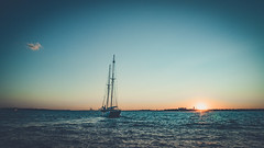 Sail away (TS_1000) Tags: ny nyc newyork newyorkcity waterfront ladyliberty freiheitsstatue manhattan meer schiff segelschiff amerika usa sunset leica q summilux 28mm