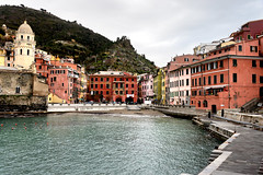 Vernazza (MelindaChan ^..^) Tags: italy 義大利 五漁村 vernazza cinqueterre village heritage color colorful fishing life house chanmelmel mel melinda melindachan