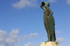 Cadix (hans pohl) Tags: espagne andalousie cadix ciel nuages sky clouds statues monuments art
