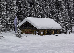 Winter Cabin (begineerphotos) Tags: lakelouise winter snow cabin shed banffnationalpark challengegamewinner winnerschallenge 15challengeswinner friendlychallenges
