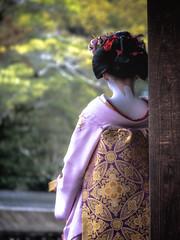 Ichiyū of Ponto-chō (Rekishi no Tabi) Tags: maiko apprenticegeisha apprenticegeiko geiko geisha pontocho kyoto setsubun yasakashrine yasakajinja fujifilm
