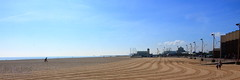 Great Yarmouth (innpictime ζ♠♠ρﭐḉ†ﭐᶬ₹ Ȝ͏۞°ʖ) Tags: sky beach norfolk seaside coast bluesky sea walkers sun northsea tracks pier resort wellingtonpier eastanglia gtyarmouth sand trails amusements 526045661737776 lowestoftness