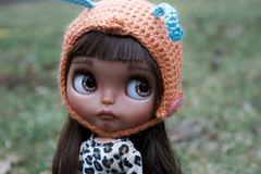 Pippa Outside (Chassy Cat) Tags: chassyknits helmet bee pineappleprincess pineapple princess blythe tan takara custom customized chassycat doll translucent puppelina eyechips