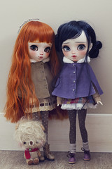 Robin & Miso (-Poison Girl-) Tags: pullip pullips doll dolls custom customs poisongirlsdolls poisongirldolls poison girl poisongirl 2018 ringo no matsuri ringonomatsuri cape capes outfit clothes obitsu body redhead red hair wig long wavy waves fringe bangs orange carrot black soft synthethic mohair jpopdolls monique eyes eyechips realistic blue brown handmade handpainted repaint repainted paint sweet cute narural makeup faceup kawaii japan collector freckles pecas nose carving carved mouth lips