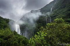 - Grand-Galet grandiose - (Frog 974) Tags: îledelaréunion ngc cascade grandgalet crue éléments eau chute