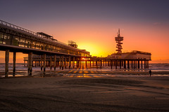 Pier at sunset... [Scheveningen, Den Haag, The Netherlands - 2015] (Jose Constantino Gallery) Tags: 2015 joseconstantino joséconstantino denhaag zuidholland netherlands nl jose josé constantino nikon outdoor water pier building architecture waterfront sunset