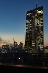 20180216-_DSC2785 (A/D-Wandler) Tags: ezb europäischezentralbank dämmerung blauestunde himmel architektur gebäude wasser flus lichter frankfurtammain reflektion stadt wolkenkratzer skyline sonnenuntergang