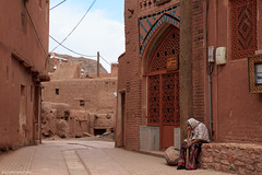 5DSL4424 (qlin zhang) Tags: abyaneh iran isfahan karkas mountain natanz safavid ancient anthropological architectural building red travel trip uniform village