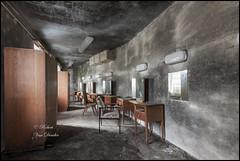 Kino Royal (rob.photography) Tags: kino royal roberturbex canon eos5d cinéma de abandonné abandon urbex plafond pièce