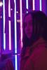Luz de neón - Neon light (ricardocarmonafdez) Tags: retrato portrait color lights neonlight mirada gaze ojos eyes 60d 1785isusm canon lowlight