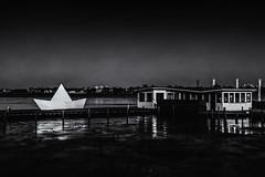 Rock the boat (michael_hamburg69) Tags: hamburg germany deutschland alster aussenalster eis frost gefroren winter cold boot vessel papierschiff paperboat anderalster67a steg gastronomie barca origami white monochrome