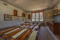 Detpa State School No 4285 (phunnyfotos) Tags: phunnyfotos australia victoria vic wimmera jeparit detpa school stateschool primaryschool 4285 interior inside internal classroom schoolroom desks map nikon d750 nikond750 blackboard honourroll honorroll room class teaching teacher teachers