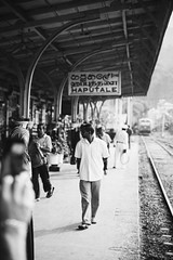 Haputale. (vlamas) Tags: vacation travel travelling people train blackandwhite bw burgenländer austrian streetphotography streetphoto street haputale srilanka canoneos canonphoto eos6d canon