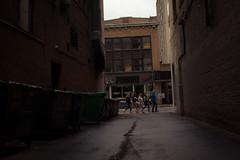 IMG_7882-2 (Galeria Adriana Araujo) Tags: street streetscenes saintcatherinestreet montreal québec canada alley people