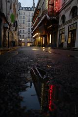 Palais Royal (Fabdub) Tags: leica paris nightshot reflection wiew street rue streetphotography leicaq