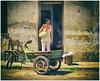 smalltalk (kurtwolf303) Tags: streetphotography strasenfotografie cuba kuba karibik caribbean woman person lahabana people olympusem5 omd microfourthirds micro43 systemcamera mirrorlesscamera mft kurtwolf303 spiegellos urban havanna