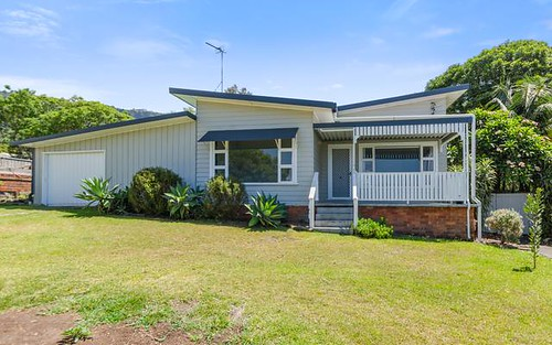17 Seaview Tce, Thirroul NSW 2515
