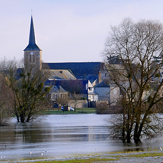 La Sarthe en Crue à Briollay
