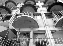 Santiago de Chile (Alejandro Bonilla) Tags: santiago chile monocromo monocromatico manuelvenegas city ciudad calle chilenos callejero