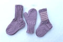 2018.01.24. alpakkasetti lapselle 3410m (villanne123) Tags: 2018 socks sukat alpakkalanka sandnesalpakka mittens lapsille lapaset lastensukat childrenswear babywear villanne