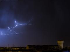 2018.03.05 - 054422 (NIKON D7200) [Amora] (Nuno F. C. Batista) Tags: clouds nuvens amora seixal portugal lusoskies lightning relâmpago thunderstorm trovoada storm night sky nikon severe weather storms photography margem sul skies portuguese meteorology cumulunimbus d7200 céu noite