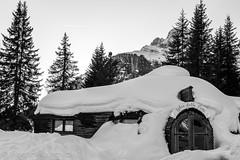 Hütte im Schnee (Andre Hauschild) Tags: schnee hütte südtirol dolomiten snow