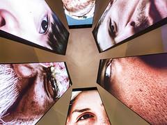 Estamos de olho! (Leonardo Martins) Tags: olho eye museu museum museudoamanhã tomorrowmuseum riodejaneiro brazil brasil tela screen