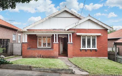 33 Undine St, Russell Lea NSW 2046