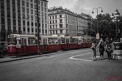 Tram (silvia.sestili) Tags: vienna tram strada aspettare velocità abitudini mezzi vicoli