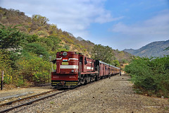 IN - 2017-12-07 - Goram Ghat (Thomas Kabisch) Tags: india indianrailways ydm4 mavli