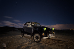 Black is black (juan_maynar) Tags: 2cv night nocturna nikon nightlight largaexposición landscapes paintlight lightpainting longexposure coche citroen citroën car