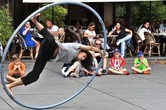 Hoop Acrobatics # 8 (just.Luc) Tags: circle cirkel cercle kreis man male homme hombre uomo mann acrobat acrobaat cerceau hoepel hoop reifen parijs parigi paris france frankrijk frankreich francia frança streetportrait barefeet barrevoets piedsnus