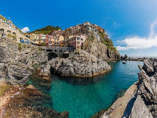 Italy: Manarola Colour