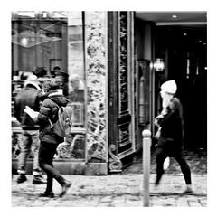 follow me down (japanese forms) Tags: ©japaneseforms2018 ボケ味 モノクロ 日本フォーム 自転車 黒と白 bw blackwhite blackandwhite blancoynegro bokeh candid followmedown monochrome random schwarzweis sleepysun square squareformat strasenfotografie straatfotografie streetphotography unkle vlaanderen zwartwit
