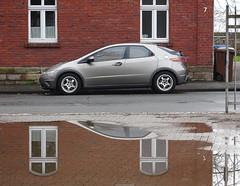 sieben (peterpe1) Tags: car witten reflection spiegelung pfütze puddle flickr peterpe1 sieben seven 7