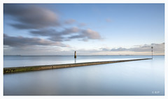 Chalkwell (robert.french57 French Images) Tags: chalkwell essex f14 rjf sj l1060493