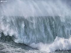 Nazaré going wild! (luismcb79) Tags: wave bigwave nazare portugal surf sea ocean beach