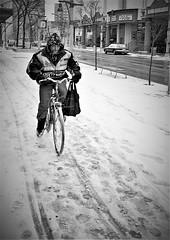 Winter scene, Windsor (L55ZJNIT6B2KYV5V62Z4HAWSXZ) Tags: snow winter windsor film 35mm rangefinder monochrome bw zeissikon negative scanned people urban street