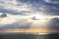 Rayos Crepusculares (Pablo Rodriguez M) Tags: msc meraviglia ship cruise crucero italia italy rayos crepusculares