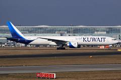 Kuwait Airways  Boeing 777-369(ER) 9K-AOJ (widebodies) Tags: frankfurt main fra eddf widebody widebodies plane aircraft flughafen airport flugzeug flugzeugbilder kuwait airways boeing 777369er 9kaoj