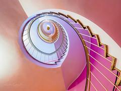 A touch of pink (Karsten Gieselmann) Tags: 714mmf28 braun em5markii mzuiko microfourthirds olympus rosa treppe brown kgiesel m43 mft pink münchen bayern deutschland stairs staircase