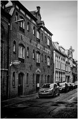 Groningen (Schnarp) Tags: groningen stad city altstadt village stadt provinciegroningen straat streets streetphotography straatfotografie hdr pentaxk10d nederland niederlande netherlands holland paysbas europa europe zwartwit blackwhite bw zw