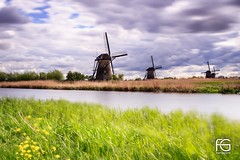 Traditional image of The Netherlands (Fabien Georget (fg photographe)) Tags: mills colors clouds longexposure landscape paysage sky ayezloeil beautifulearth bigfave canoneos600d canon elitephotography elmundopormontera eos fabiengeorget fgphotographe flickr flickrdepot flickrunited georget geotagged flickunited mordudephoto nature paysages perfectphotograph perfectpictures wondersofnature wonders supershot supershotaward theworldthroughmyeyes shot photography photo greatphotographer french touch rotterdam eau waterscape kinderdijk