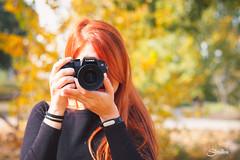 Photographer (Silvia Illescas Ibáñez) Tags: dzoom mujer poses retrato sesio tina photographer fotografo fotografa pelirroja red redhair hair camera lumix otoño autumn