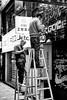 Dec 26, 2017 (pavelkhurlapov) Tags: tsimshatsui worker lazy tablet ladder smoking monochrome streetphotography